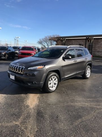 CERTIFIED PRE-OWNED 2017 JEEP CHEROKEE LATITUDE 4WD