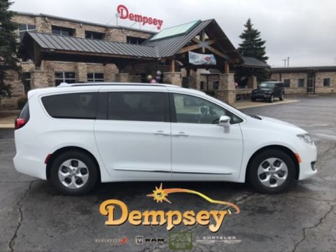 PRE-OWNED 2017 CHRYSLER PACIFICA LIMITED FWD 4D PASSENGER VAN